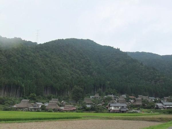 京都・美山かやぶきの里(春に撮影)