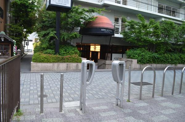 通路の出入り口にこんな柵が!