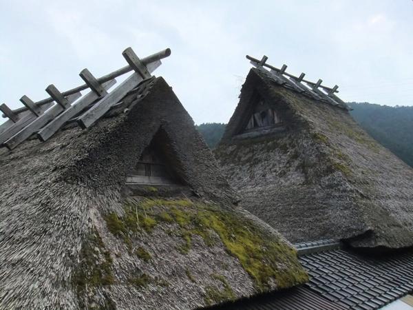 美山の茅葺屋根