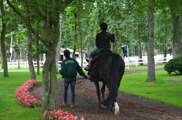 「引き馬」を体験