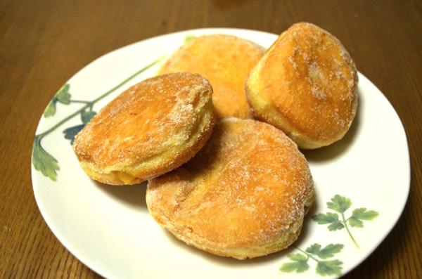 「イーストドーナツ」のクリーム系