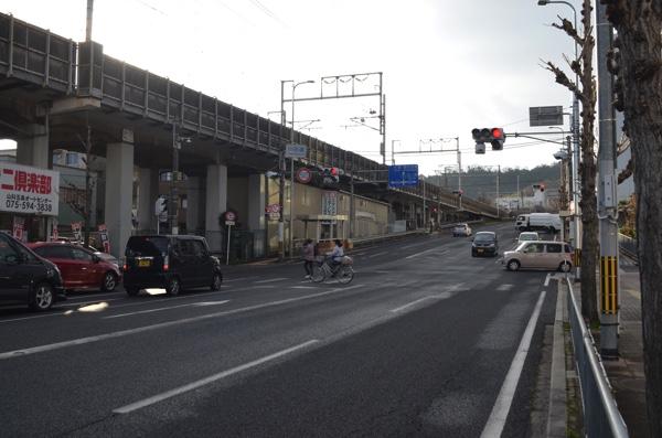 「川田道」の交差点