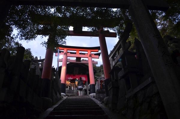 「権太夫奥村亭」の前の階段