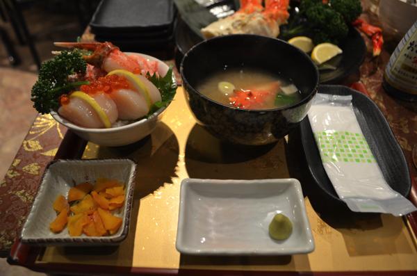 ホタテ・ズワイガニ丼