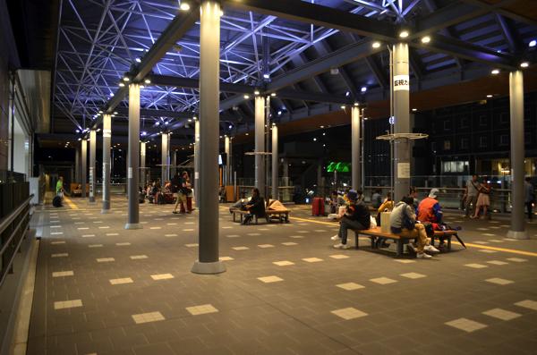 京都駅の八条西口にある休憩スペース