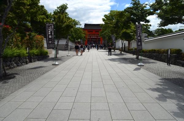 伏見稲荷大社の表参道