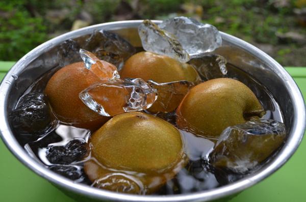 収穫した梨を冷やす