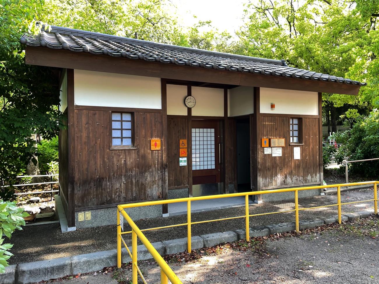 藤の森公園のトイレ