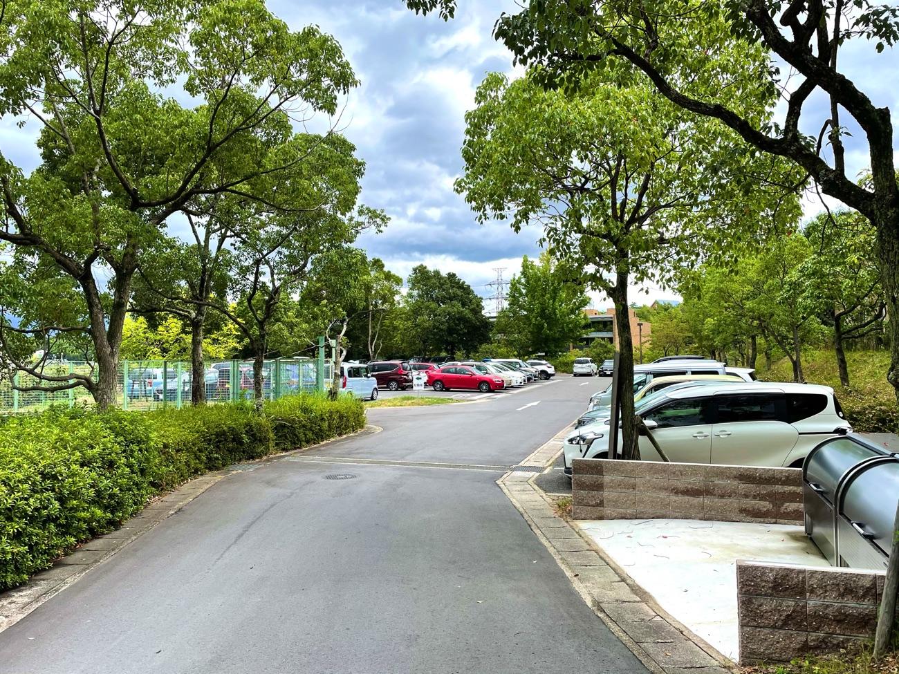 「乗馬クラブ クレイン学研枚方」の駐車場
