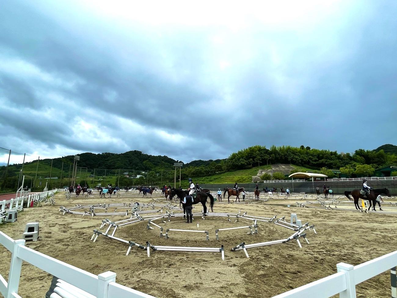 「乗馬クラブ クレイン学研枚方」の馬場