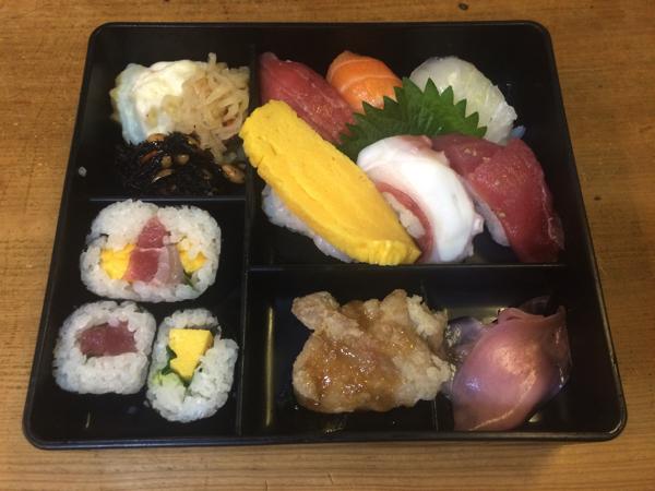 寿司弁当(850円)