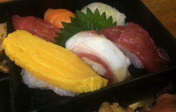 にぎり寿司が6貫入ってる!