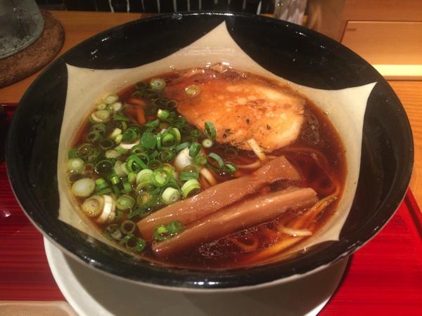濃口醤油ベースのスープ