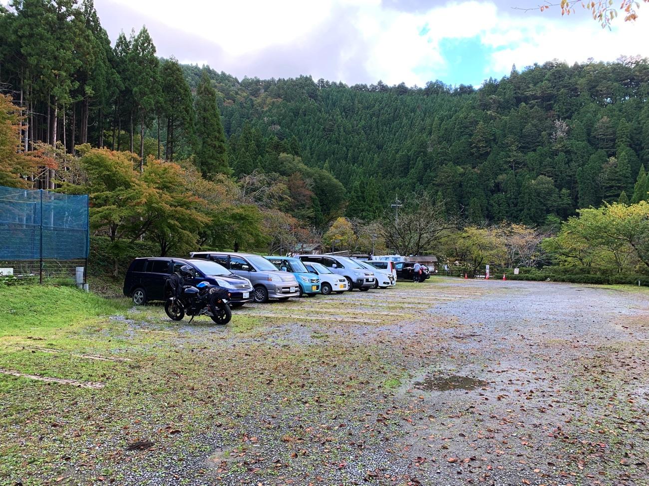 駐車場は無料で利用できる