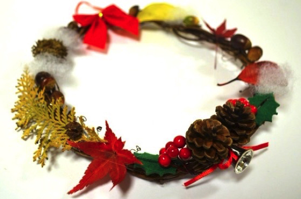 「グルーガン」が便利! 子どもが見つけた落ち葉や木の実を使ってクリスマスリースをつくろう! | ごりらのせなか
