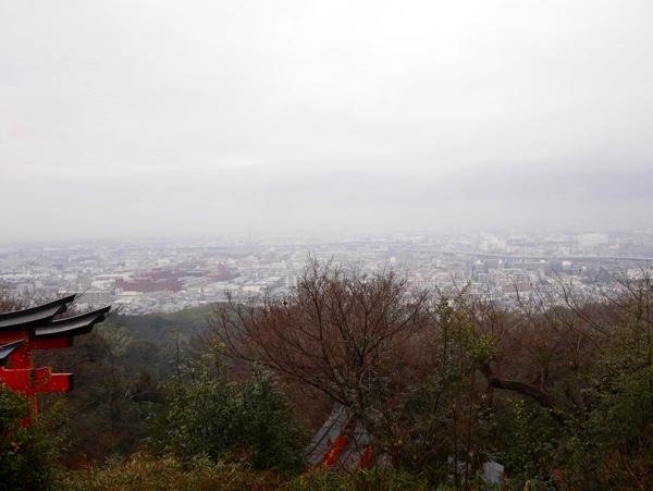 雨の日の四ツ辻