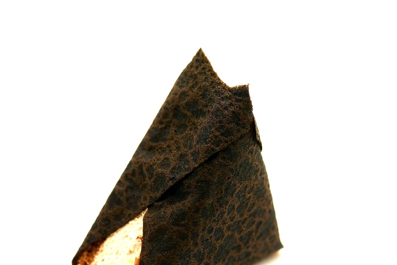 ブラックココアクレープで表現