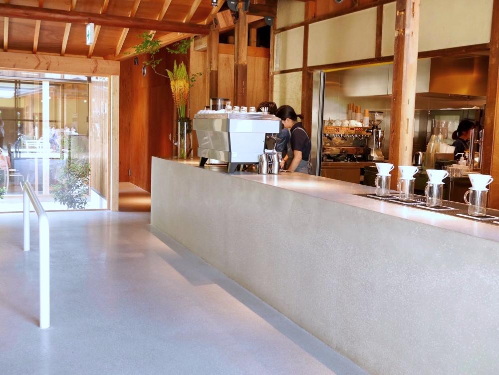カフェスペースの雰囲気