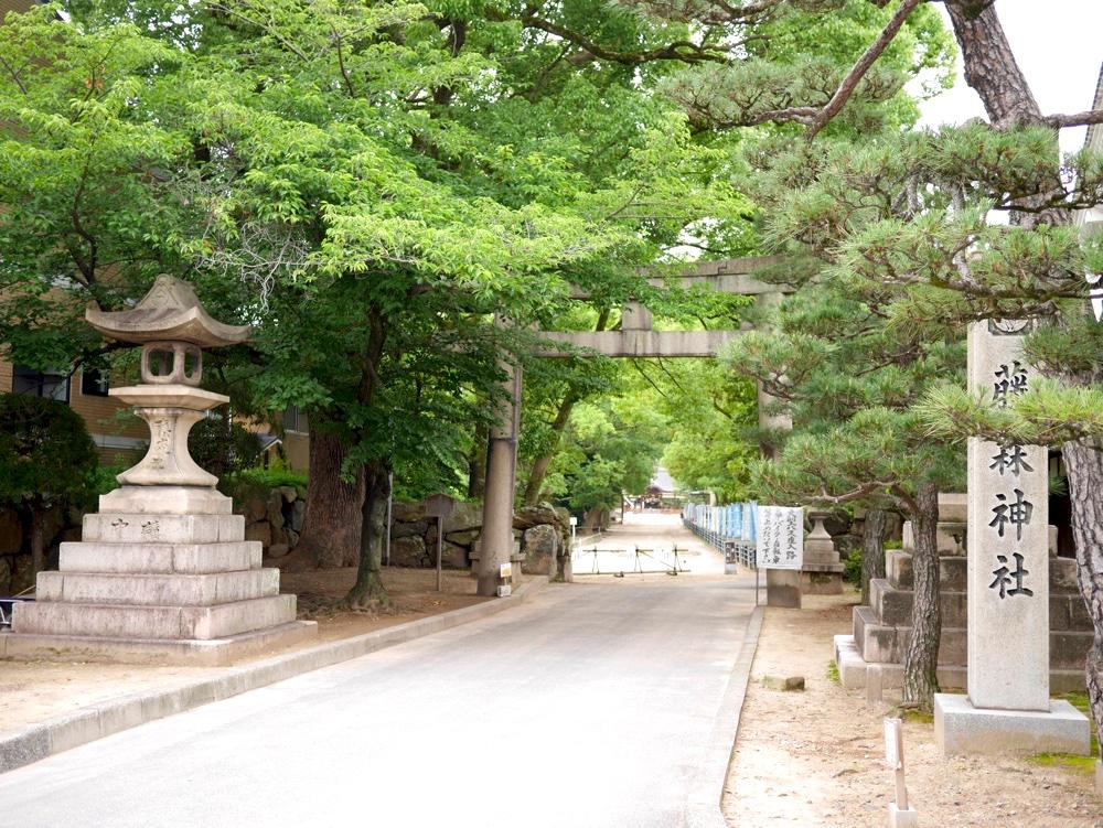 藤森神社の「南門」