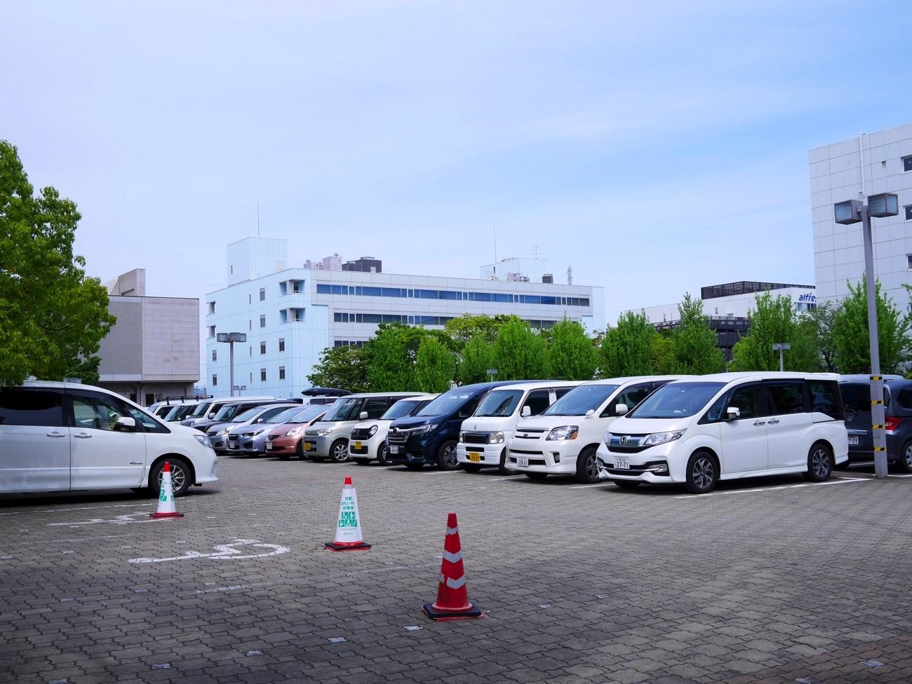 京都パルスプラザの駐車場