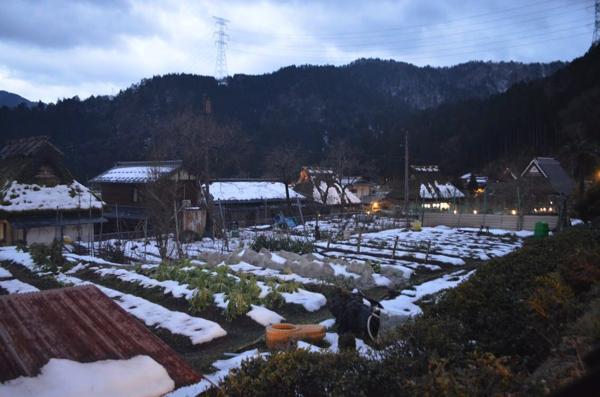集落にもほとんど雪がない