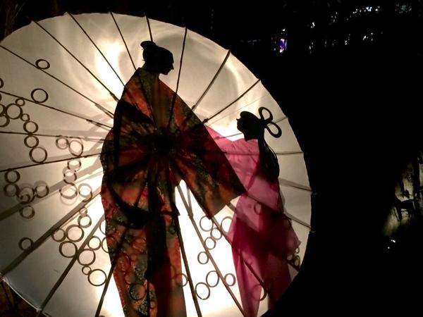 織姫と彦星が描かれた和傘(2015年)