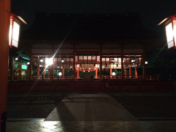 夜の外拝殿